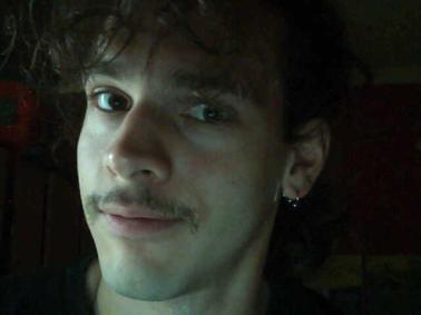 Αυτή η εικόνα δεν έχει άλλο σκοπό πέρα από το να δείξει πόσο ωραίος είμαι και με μουστάκι!